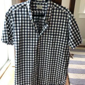 Classic J Crew navy gingham shortsleeved shirt